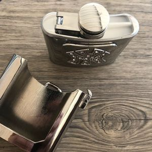 Other - Container flask belt buckle silver rodeo men women